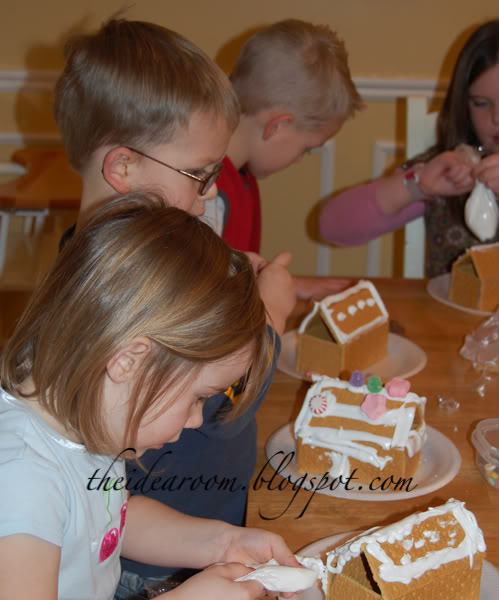 "Graham Cracker ""Gingerbread"" Houses"