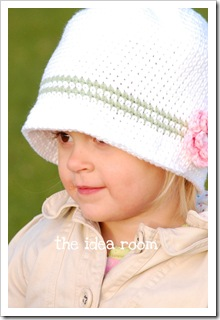 crochet_hat_white wm