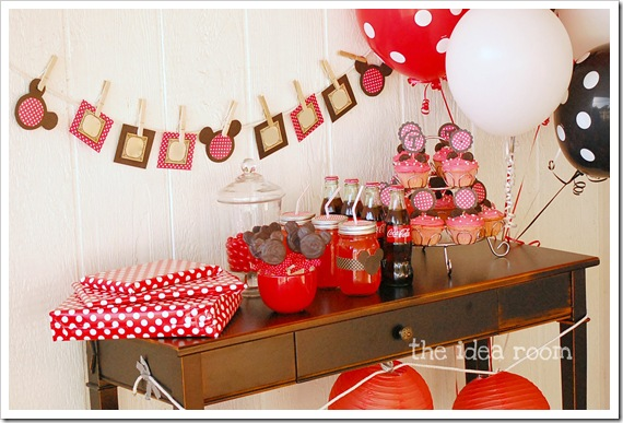 Minnie Mouse Party 8 wm
