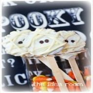 Halloween Oreos—Mummy Treats