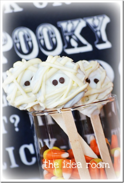 Halloween Snacks Mummy Oreo Pops