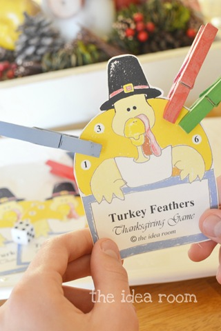 Thanksgiving Game—Turkey Feathers