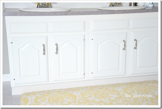 finial feet cabinets 1wm