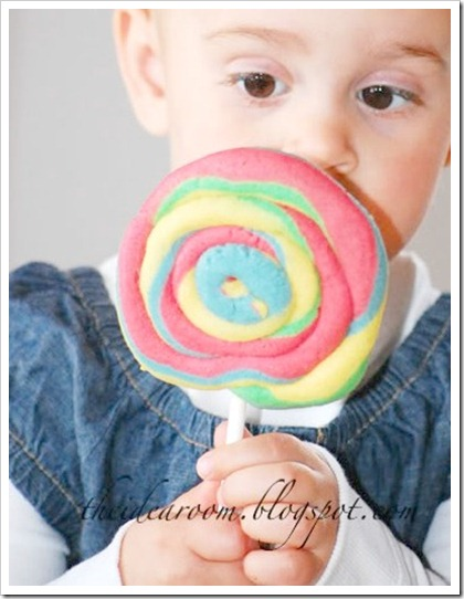 Play Dough Cookie Lollipops
