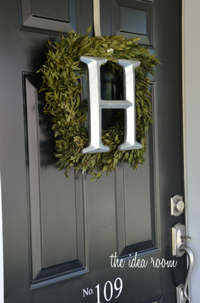 painted door wreath