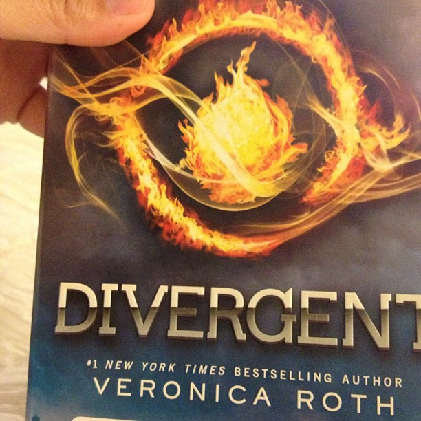 Book Review—Divergent by Veronica Roth