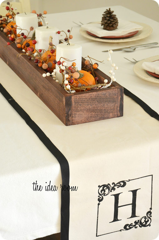 Diy Table Centerpiece Using Decorated Garland