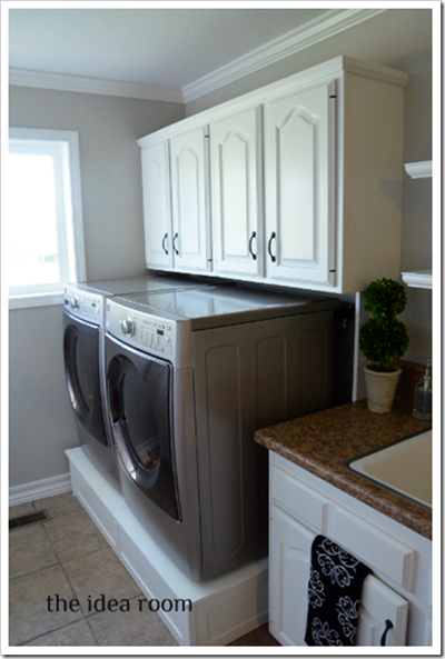 Laundry room washer dryer pedestal