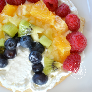 Rainbow Fruit Pizza–St Patricks Day Recipes