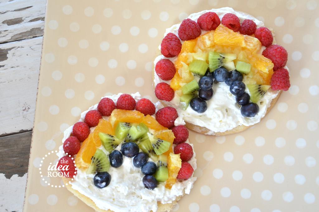 St. Patricks Day Recipes--Rainbow Fruit Pizza