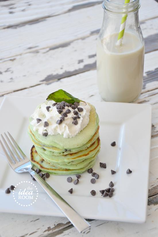 mint-chocolate-chip-pancakes 2