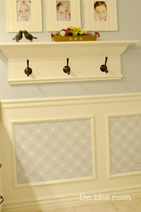 wainscoting-picture-frame.png