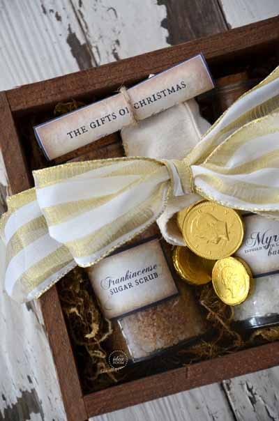 Gold Frankincense And Myrrh Christmas Gifts.Gifts Of The Wisemen Gold Frankincense And Myrrh The