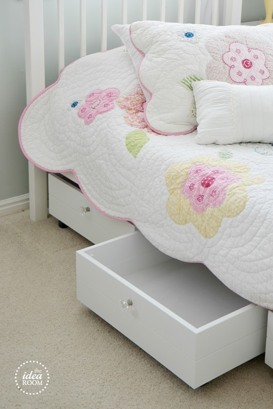 storage-ideas-for-small-rooms