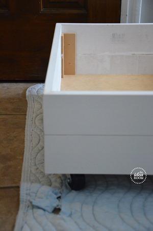rolling-storage-drawers-2_thumb.jpg
