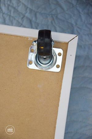 rolling-storage-drawers-4_thumb.jpg