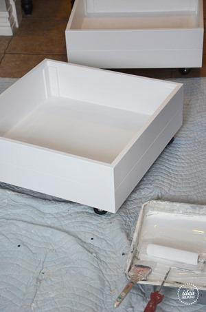 rolling-storage-drawers-5_thumb.jpg