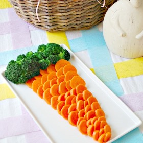 Easter_Party_-_Giant_Vegetable_Carrot_gallery