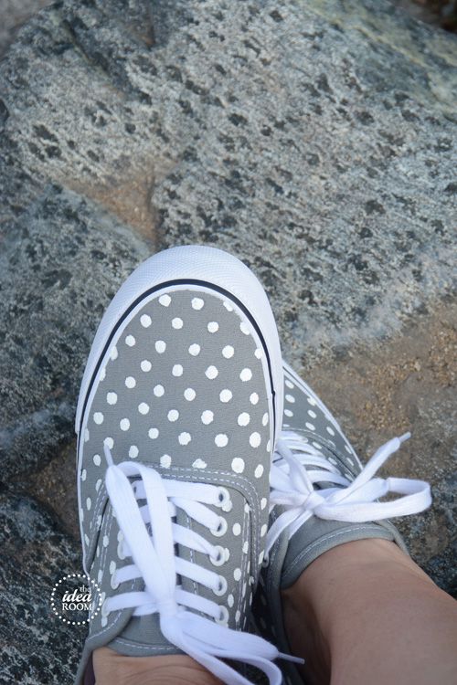 gray-and-polka-dots