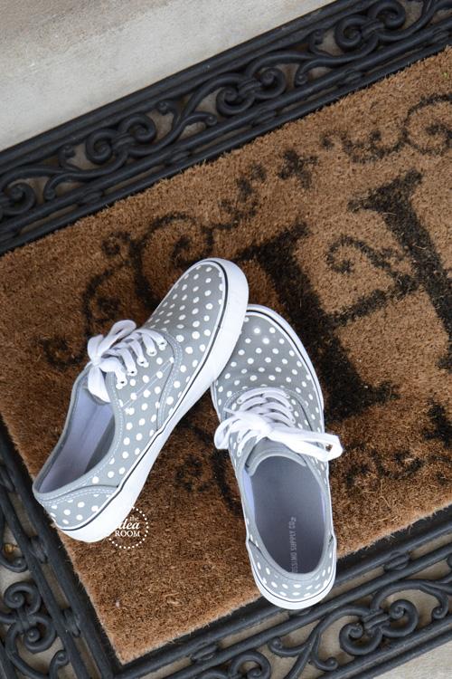 DIY Polka Dot Shoes by the Idea Room