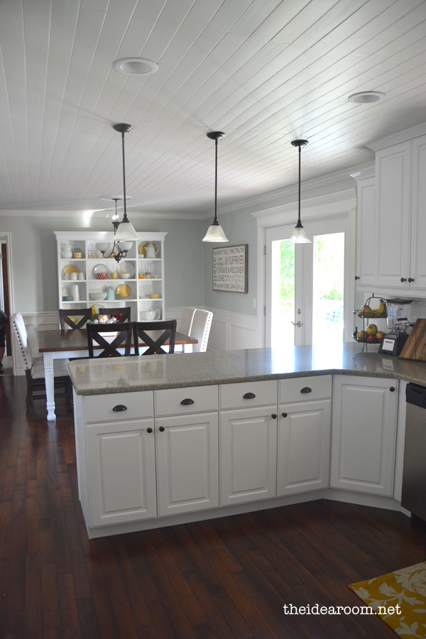 Kitchens With White Cabinets And Light Color Porclan Tile