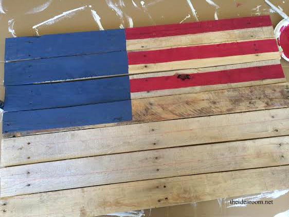 pallet-flag 8