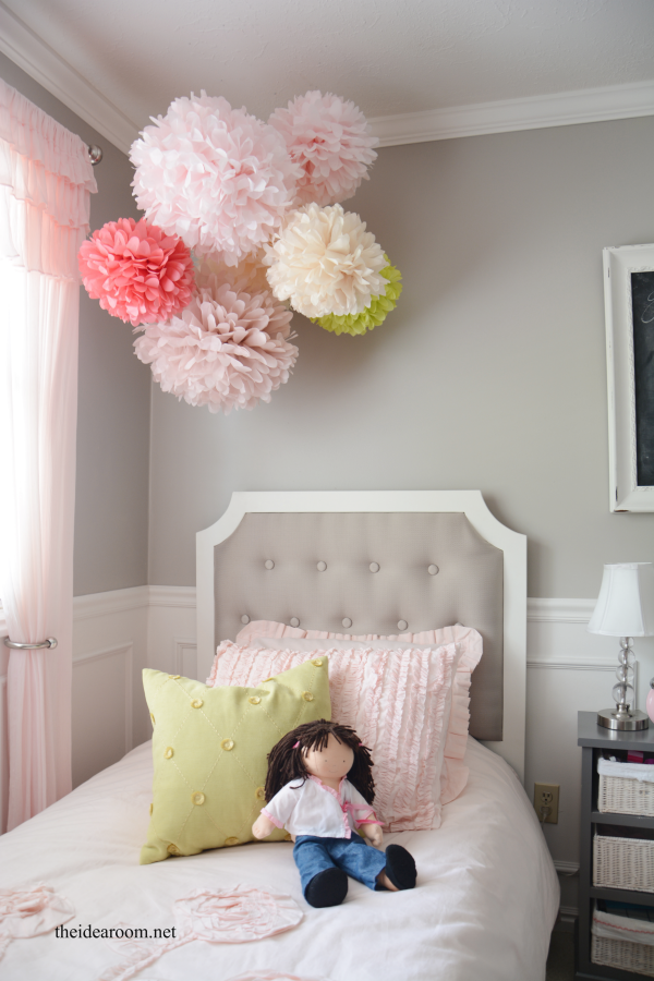 Tissue paper pom poms tutorial the idea room - Paper decorations for room ...