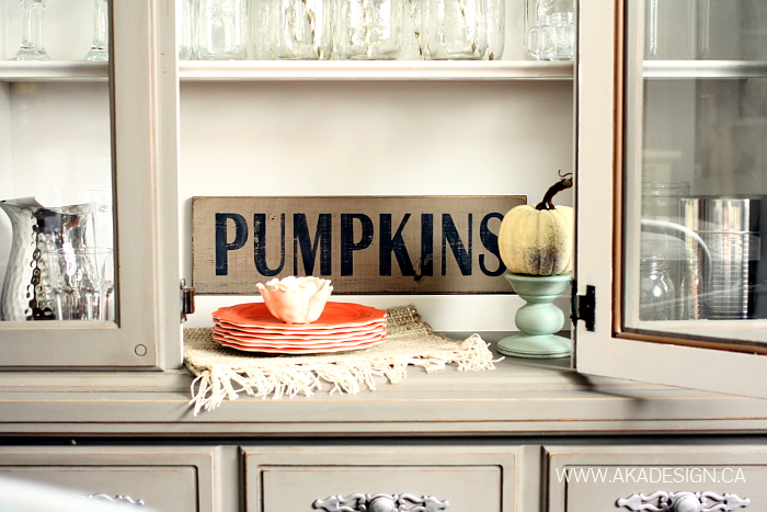 PUMPKINS-WOOD-SIGN