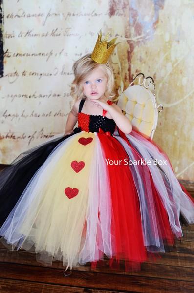 Halloween-Costume-Queen-of-Hearts