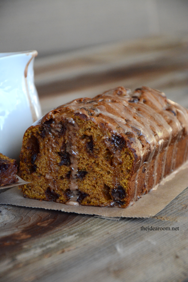 Pumpkin-Chocolate-Chip-Bread theidearoom.net