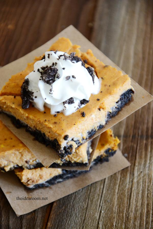 Pumpkin Oreo Cheesecake Bars