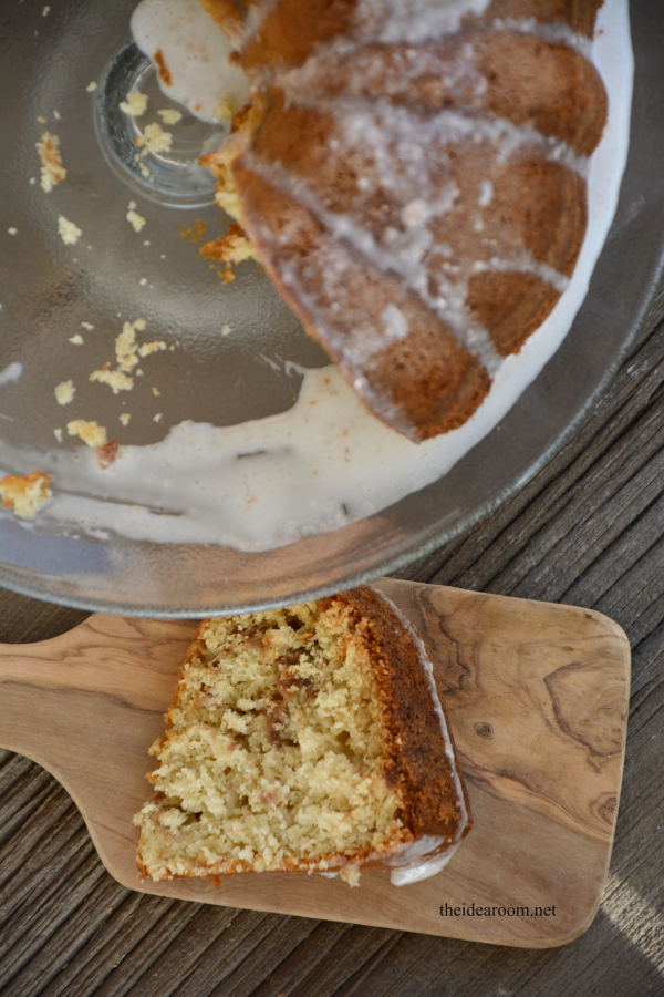 Cinnamon Streusel Bundt Cake 2