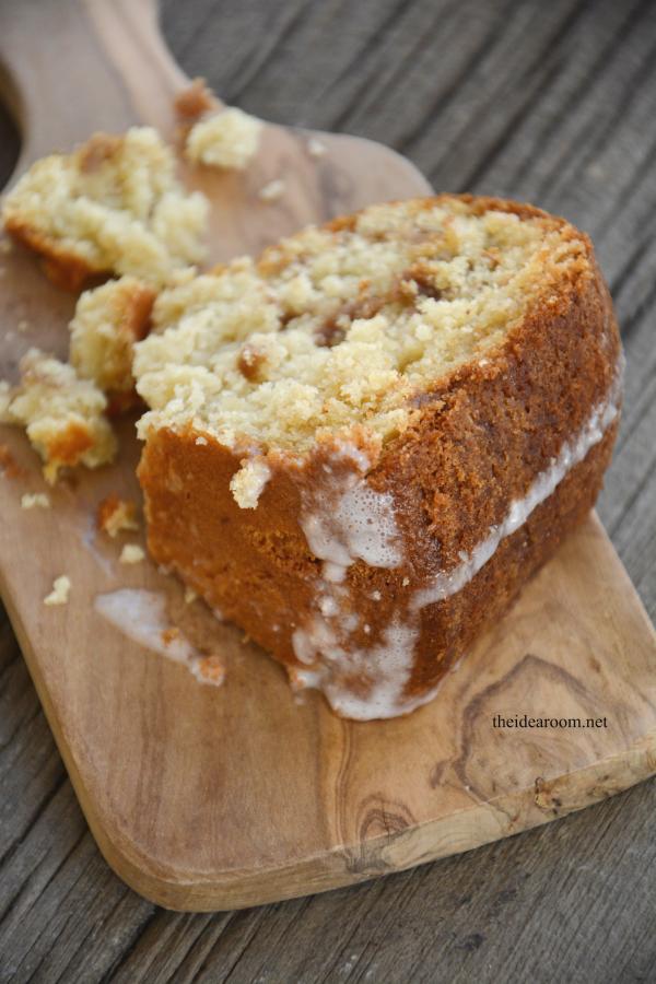 Cinnamon Streusel Bundt Cake 3