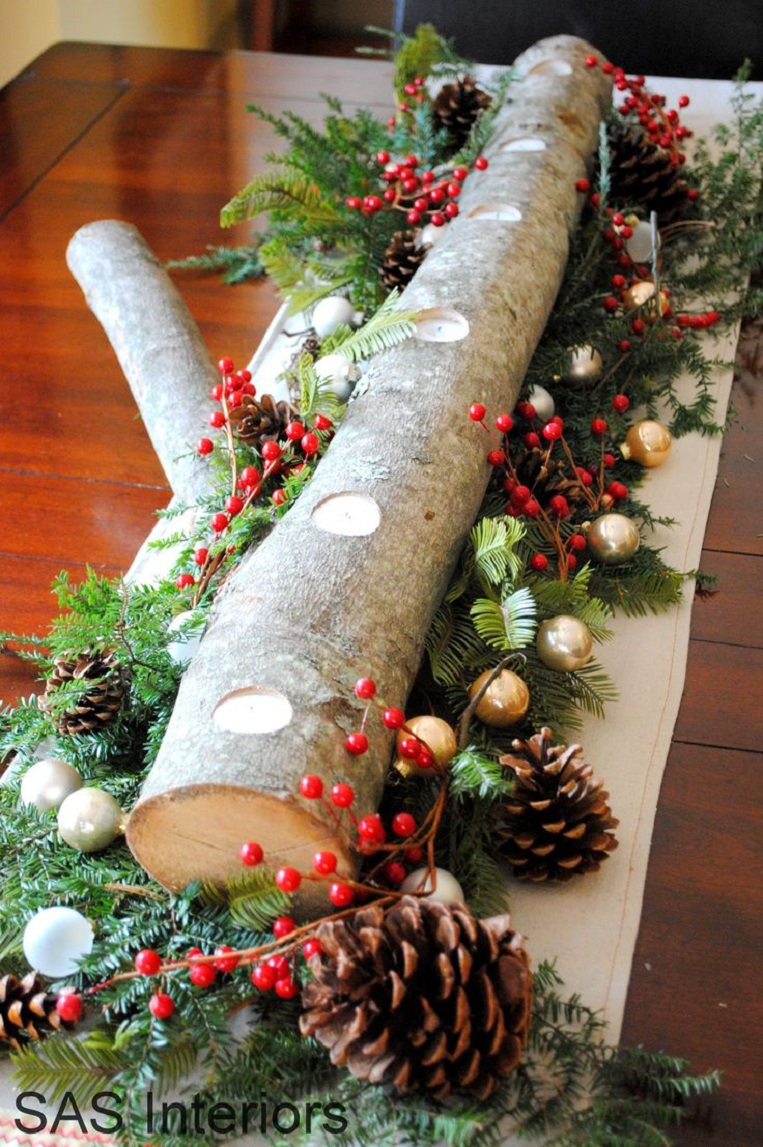 Diy christmas decorations ideas - Diy Holiday Log Centerpiece With Natural Greenery Berries