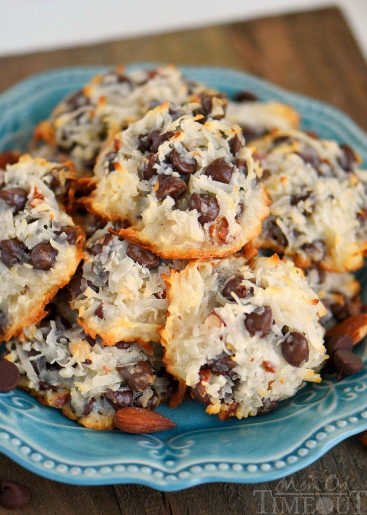 almond-joy-cookies-top