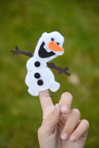 Frozen Finger Puppet Patterns Tutorial  Free Olaf Finger Puppet Pattern Printable (shared earlier this year in Feb)   Olaf Finger Puppet Tutorial post   The other Frozen Puppet Patterns can be purchased here.