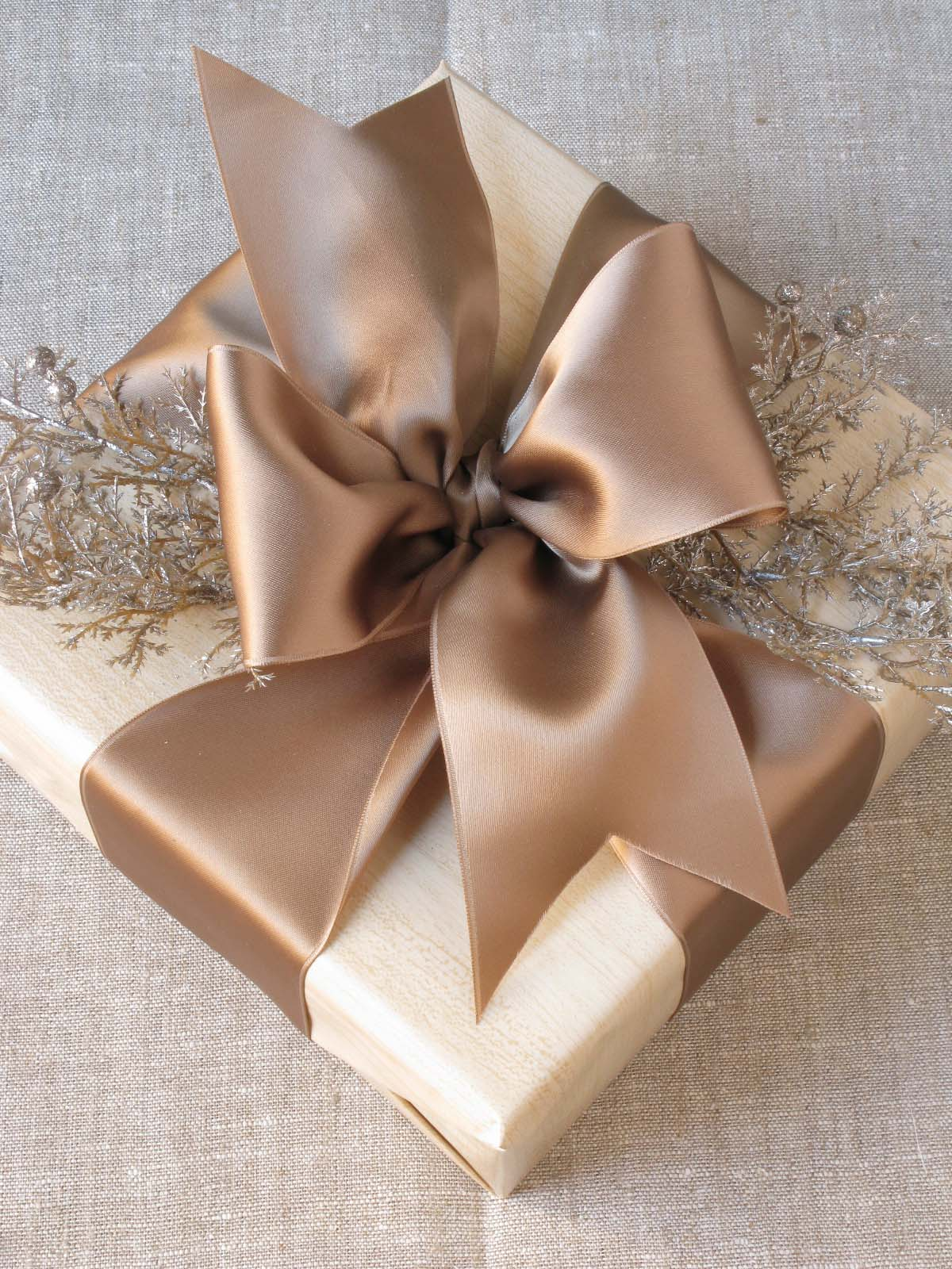 Image Result For Gift Wrapping Bow