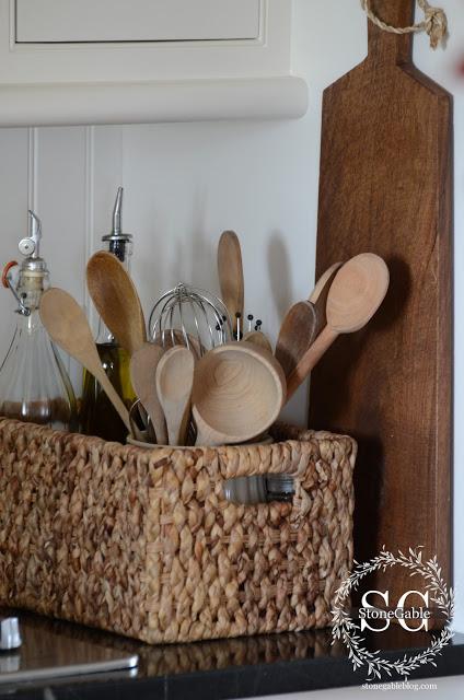 KS+2013+Basket+with+wooden+spoons+stonegableblog.com_