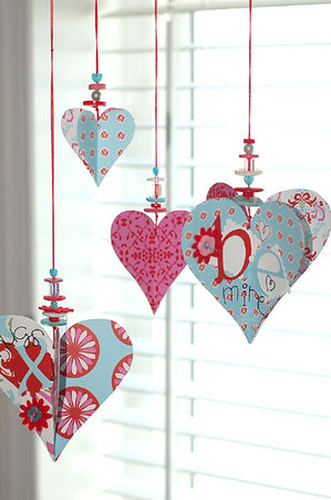 valentine-heart-and-button-decoration