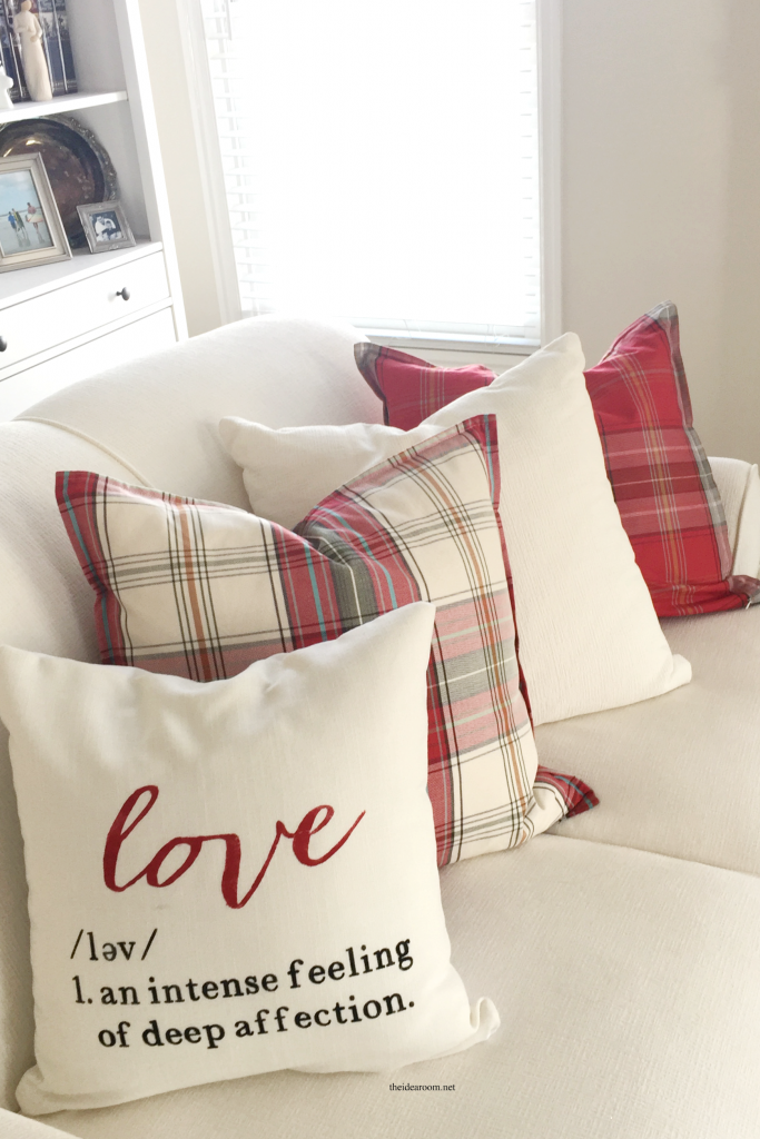 valentines-day-pillow-2-683x1024