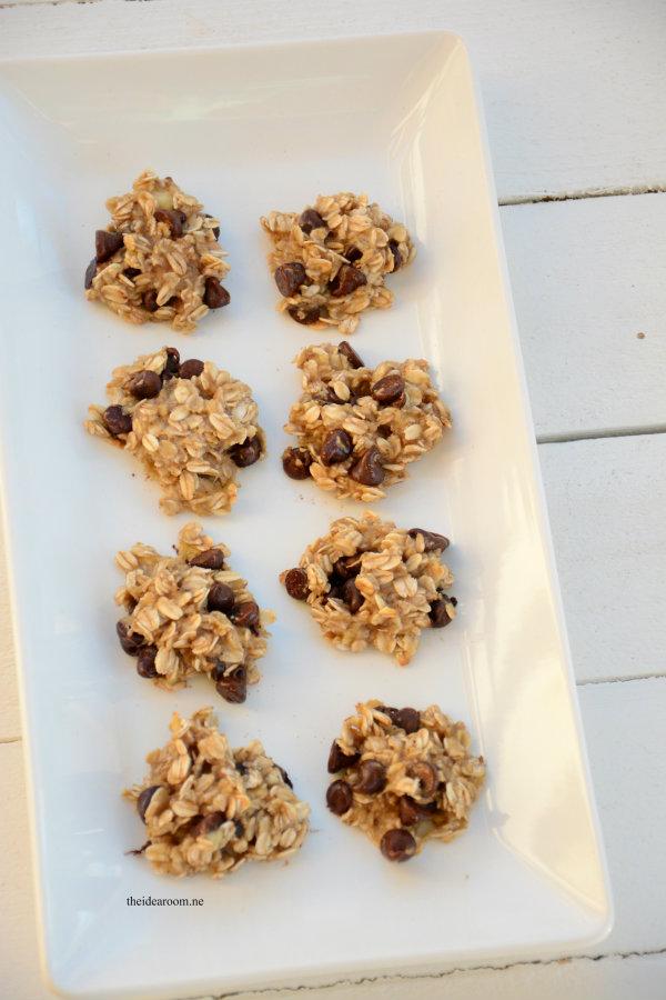 Skinny Banana Oatmeal Cookies