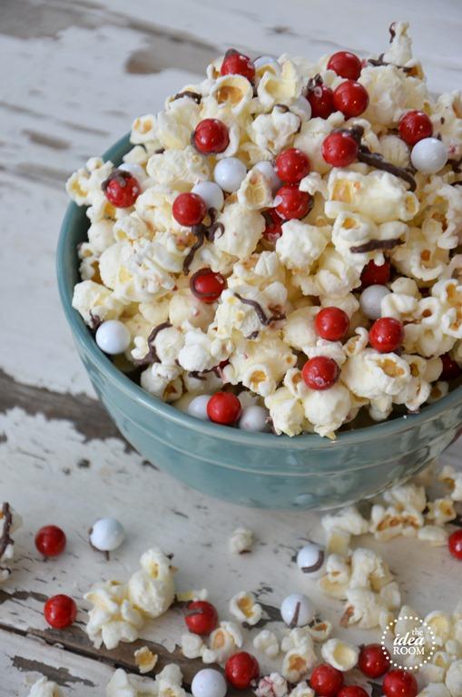 candy-cane-popcorn-1