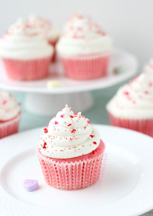 pink-velvet-cupcakes_2