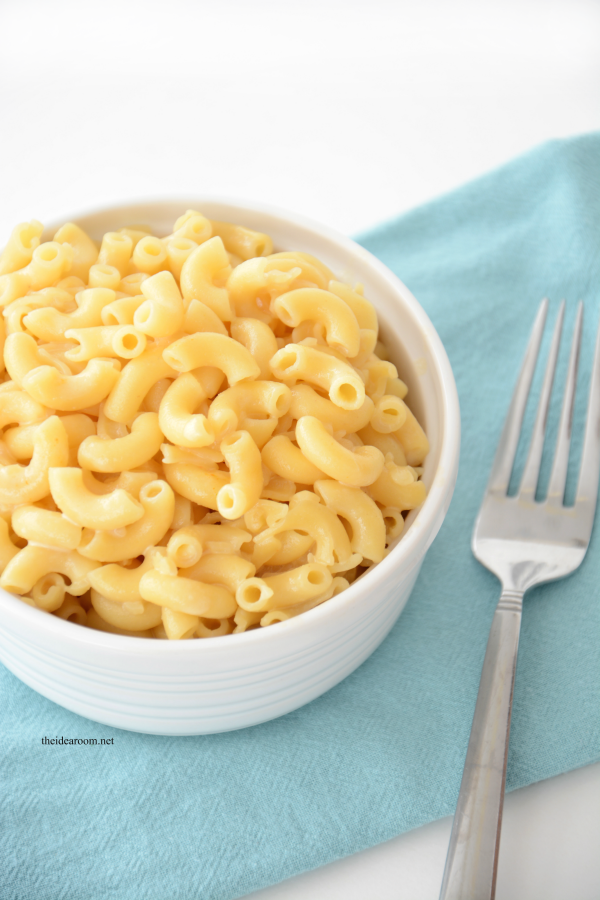 four cheese mac and cheese this ultra creamy decadent mac and cheese ...
