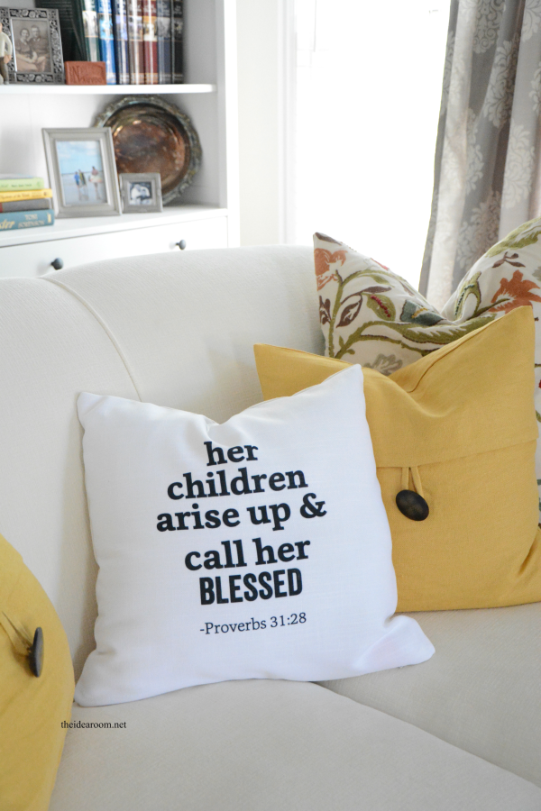 Mother's Day Pillow 3