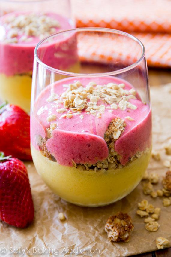 Strawberry-Mango-Breakfast-Smoothies-4
