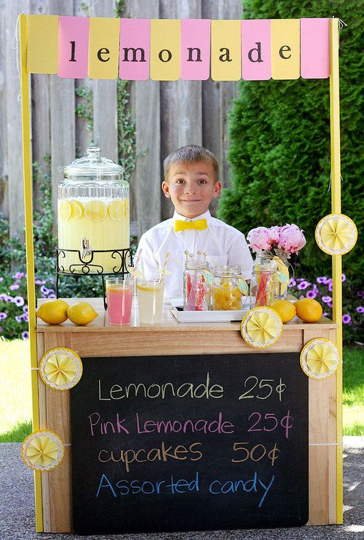 Lemonade Stand Ideas and Recipes That Are Cute and Tasty