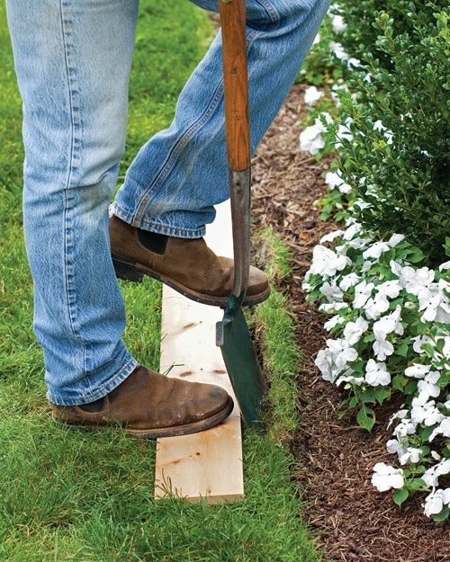 An Easy Way to Edge your Lawn