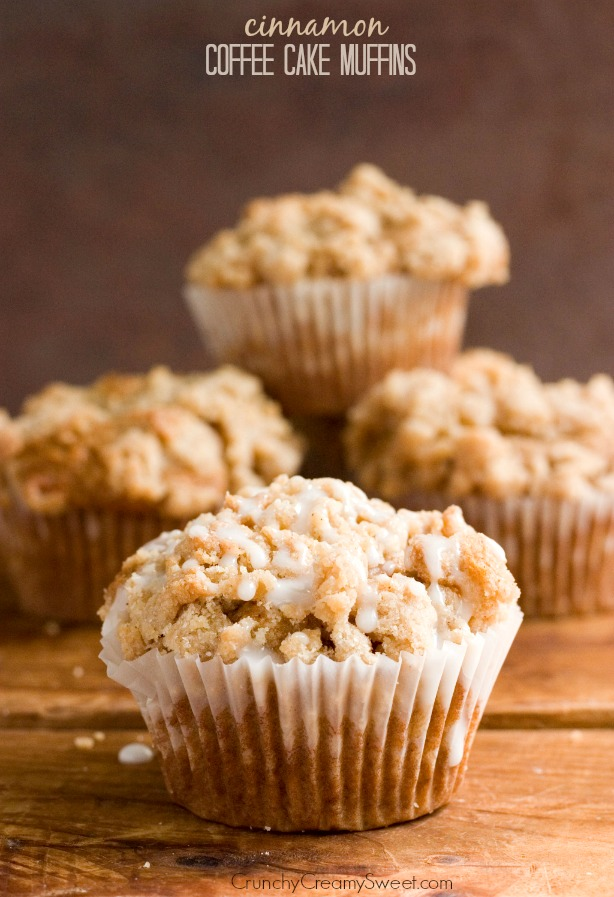 Cinnamon-Coffee-Cake-Muffins-Recipe-from-crunchycreamysweet.com_