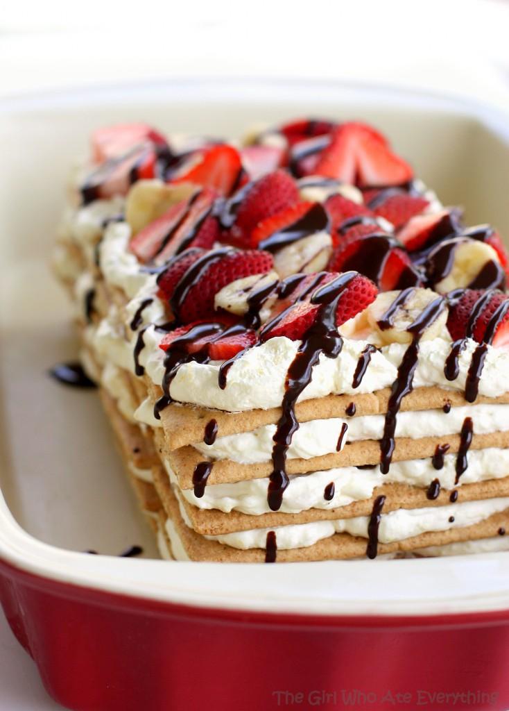 banana-split-icebox-cake-platter-734x1024